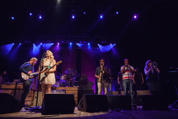 Sharon Jones and the Dap-Kings and Tedeschi Trucks Band Mann 8/2/15