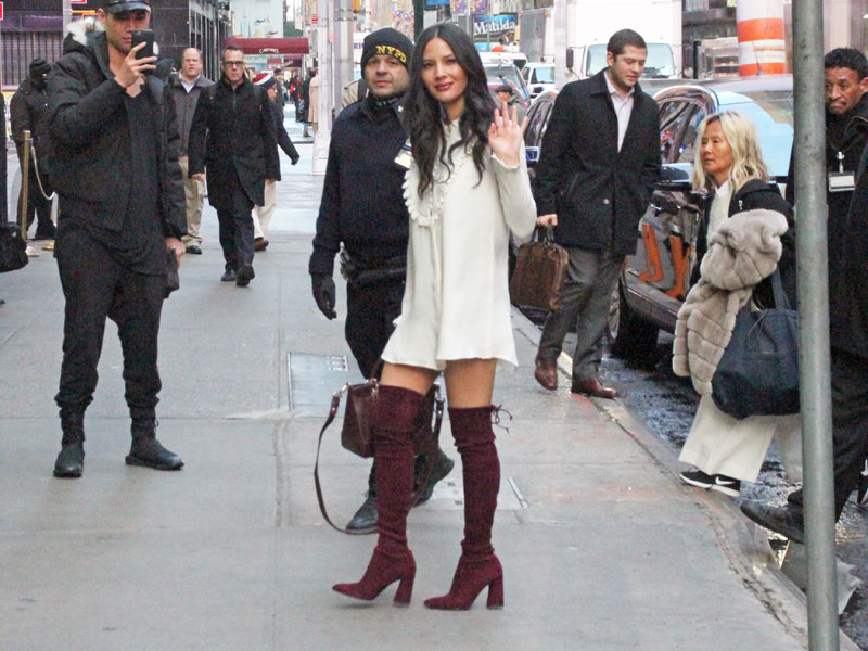 Olivia Munn promotes in style her upcoming film